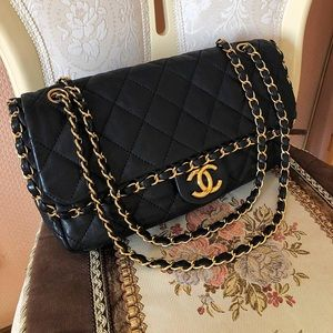 Gorgeous Chanel Bag with gold hardware